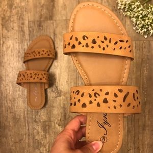 🌞 NEW Cut out Double Band Slip On Sandals 🌞